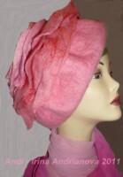 """Берет  """"Розовые розы """".  Австралийский меринос 18,5 мкр..."""