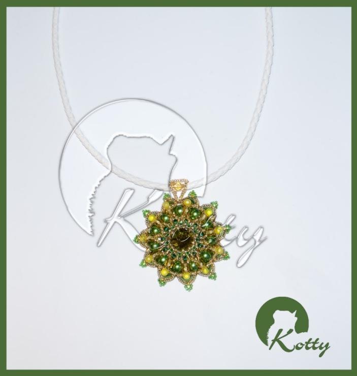 "Gallery.ru / Кулон  ""Оливковая гранада "" - Украшения из бисера  ""Риволи "" - Kotty."