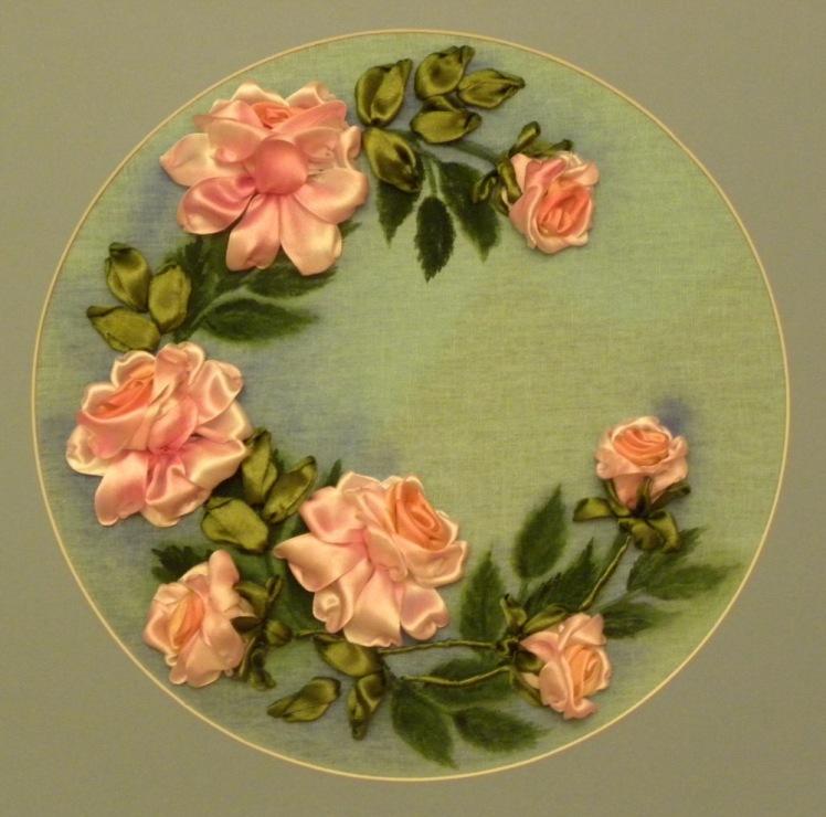 Вышивка лентами картины розы с листочками 43