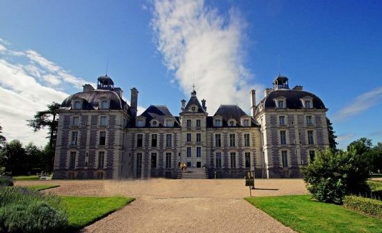 Замок Шеверни - один из прообразов Дворца Потоцких.