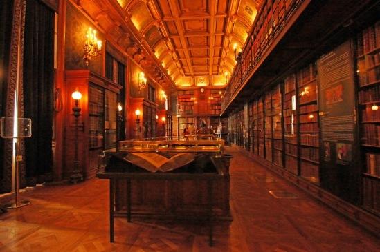 Шантильи. Библиотека герцогов Конде.