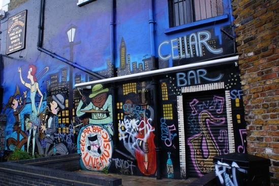 Лондонский бар на Риджентс-кэнал.
