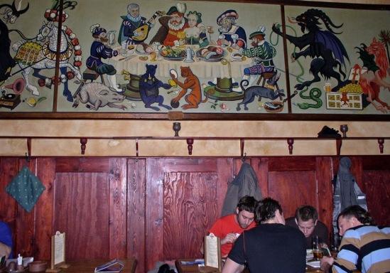 """Забавное панно в баре """"Дачински""""."""
