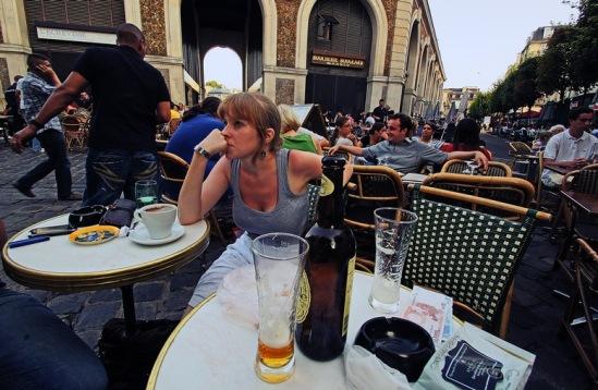 Бутылочка La Goudalle в версальском кафе.