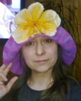 Матрица.  Банная шапка с желтым полевым цветком.  6 фото.