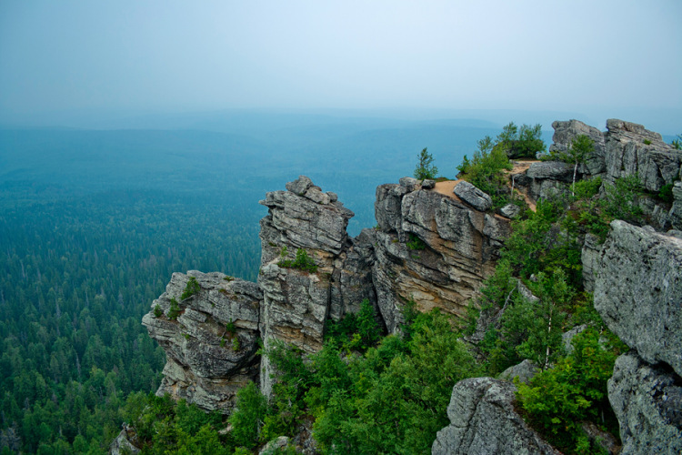 Ural Mountains Стоковые фото, иллюстрации и векторные изобра…
