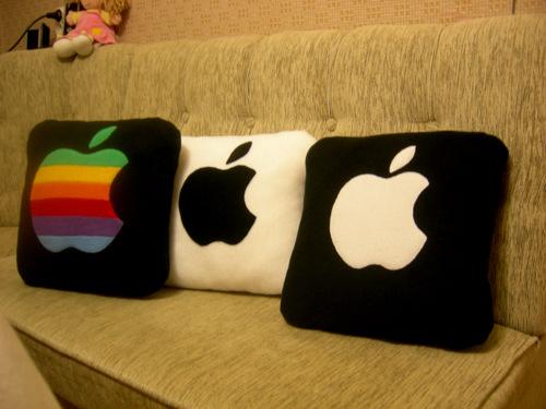 Маленькие подушки в подарок